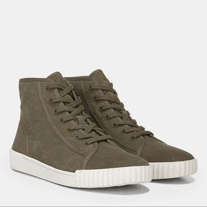 Vince womens wolfe olive sneakers size US 8